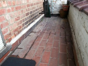 Waterdichtmaken van een doorlekkend terrasdakje